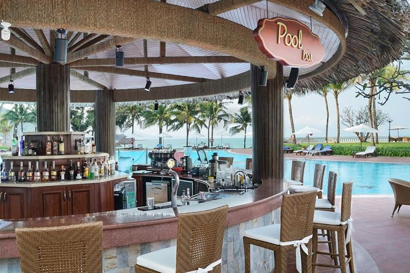 Hình ảnh về Pool Bar - vinpearl resort nha trnag