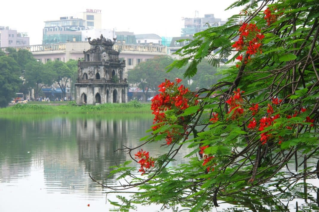 Khách sạn Vinpearl Hạ Long - Hồ Hoàn Kiếm