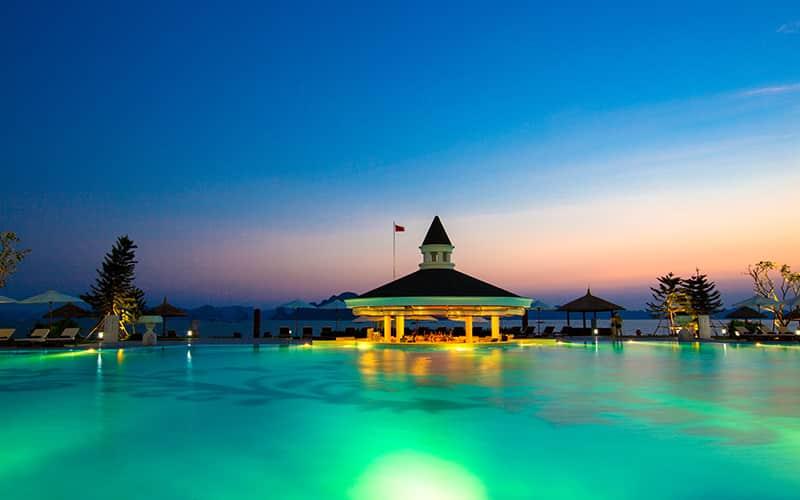 Bể bơi ngoài trời của Vinpearl Hạ Long