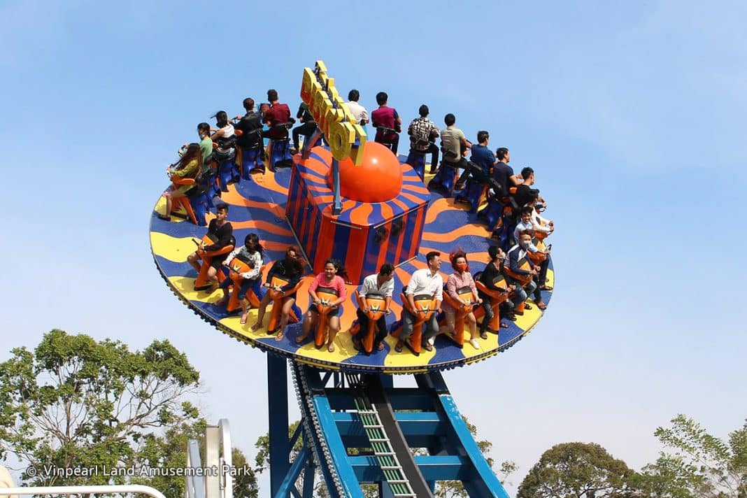Các trò chơi ở Vinpearl Land Phú Quốc hấp dẫn như thế nào ? - Đĩa bay siêu tốc