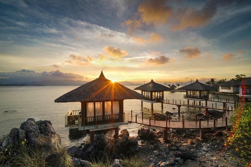 khách sạn vinpearl nha trang - Bình minh tới trên Luxury Nha Trang