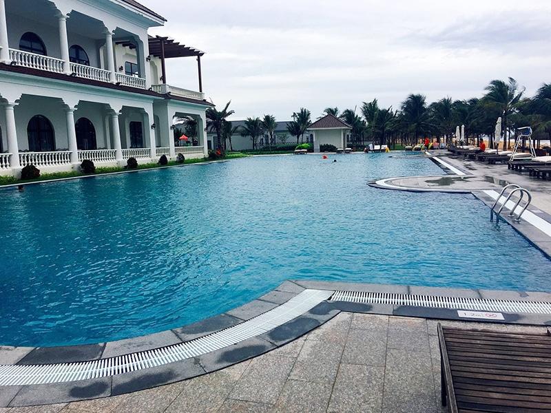 Hồ bơi chung tuyệt đẹp tại Biệt thự Vinpearl Phú Quốc Discovery 2.