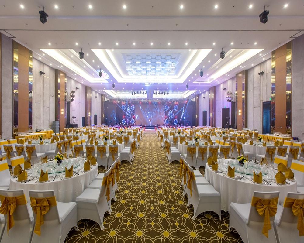Khuôn viên tổ chức sự kiện tại VinOasis cho khách hàng lưu trú ở biệt thự Vinpearl Phú Quốc Villa.