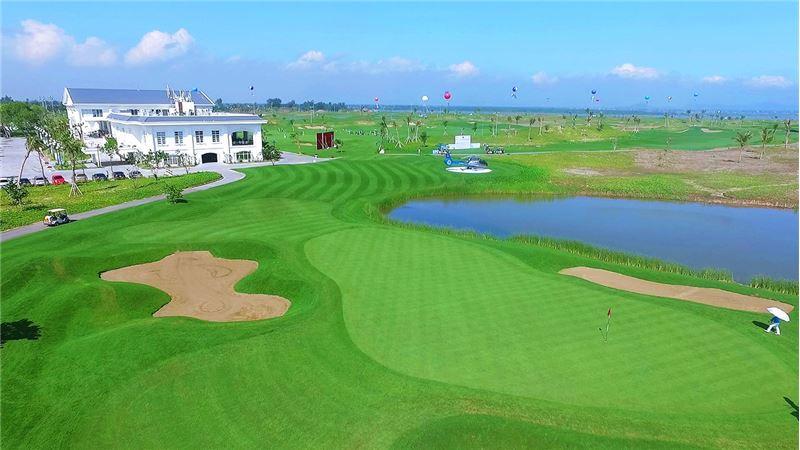 sân golf 18 lỗ
