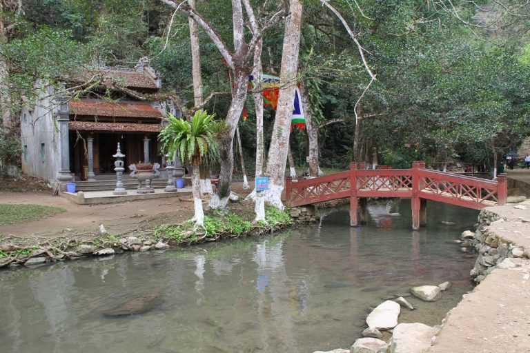 Đền thờ Thần Rắn